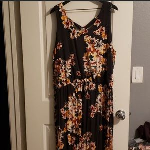 BNWT- size 2 Maurices Maxi Dress